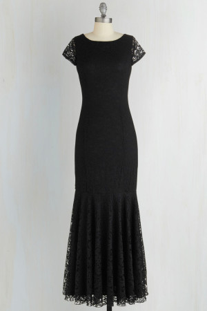 Velvet Rope Ready Dress in Noir